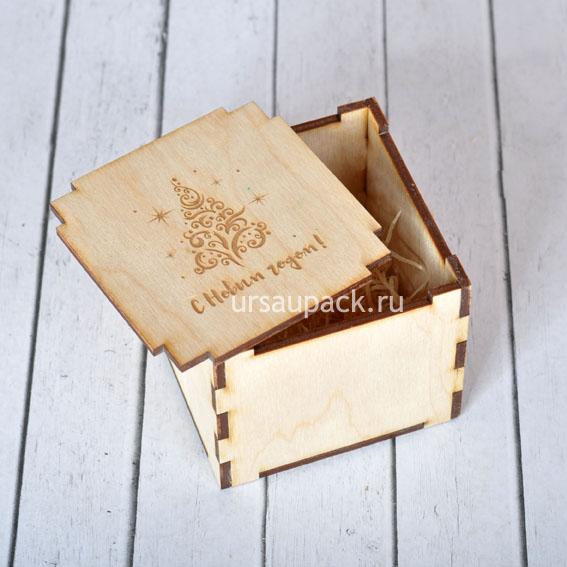 коробочка для подарков на Новый год 2020
