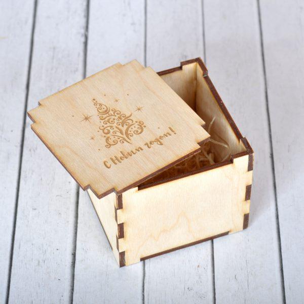 пример подарочной коробки на Новый год