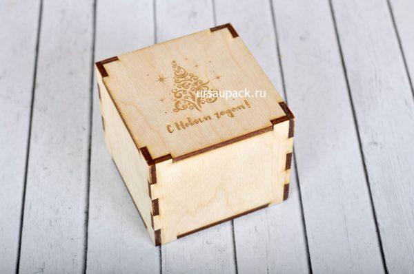 деревянная коробка на Новый год