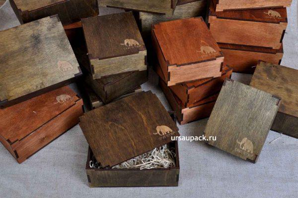 пример коробки с логотипом